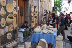 La producción artesanal vuelve a ser protagonista en la Feria de Artesanía del Valle de Mena