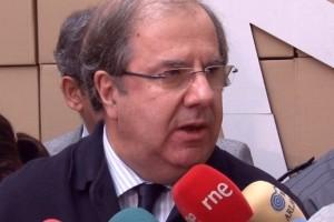 El presidente Herrera advierte que en Castilla y León no sobra ningún municipio