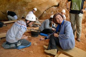 La Reina Doña Sofía preside la reunión del Patronato de la Fundación Atapuerca