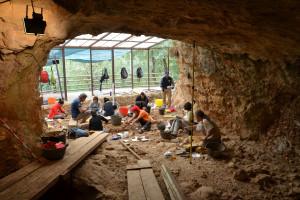 La Cova de Les Teixoneres pudo ser uno de los últimos refugios neandertales en la Península Ibérica