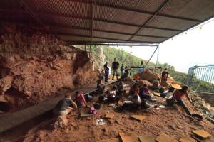 En busca de fuego en el Yacimiento Valenciano la Cova del Bolomor