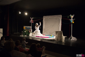 La Fundación Caja de Burgos presenta en Cultural Cordón el espectáculo para bebés 'Lana de luna'