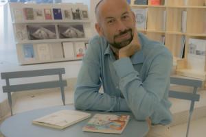 Francisco Javier Expósito propone un viaje literario y musical en el MEH, acompañado de la banda sonora de Suria Pombo