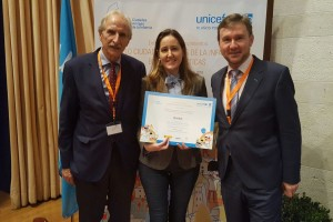 Javier Lacalle, recibe la Renovación a Burgos del Sello de Reconocimiento de Ciudad Amiga de la Infancia 2016-2020