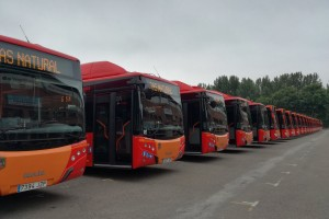 El Alcalde de Burgos, Javier Lacalle, presenta 25 nuevos Autobuses Urbanos