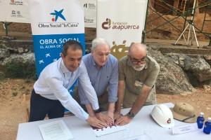 """La Obra Social """"la Caixa"""" y la Fundación Atapuerca renuevan su convenio de colaboración"""