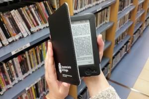 Nuevo servicio de préstamo de lectores de libros electrónicos en la Biblioteca Municipal