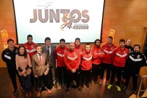 La Fundación Caja de Burgos y el Club Balonmano Burgos llevan el programa de inclusión social 'Juntos' al polideportivo El Plantío