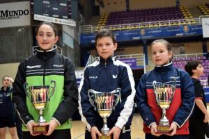 Tres jugadores del UBU logran el oro en el Estatal de Tenis de Mesa