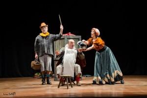 'Azar Teatro' recrea mañana en el Museo de la Evolución Humana el episodio más divertido de 'El Quijote'