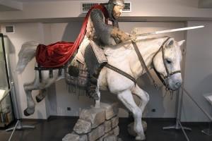 "El Museo del Cid incorpora una escultura ""dinámica y ágil"" del Cid Campeador del escultor Juan Villa"