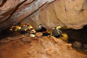 Arqueología accesible' en el X aniversario de la Cueva de Guantes
