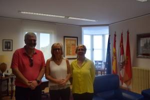 FAE entrega a Fundación Lesmes y Parkinson Burgos los 10.000 euros recudados con el concierto de Rosario Flores