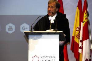 El rector de la Universidad Isabel I destaca la apuesta por la investigación y la innovación, las relaciones con la empresa en la apertura del curso