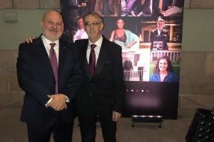 Los responsables de la editorial Siloé, Juan José García y Pablo Molinero, reciben el Premio 'Fuera de Serie'