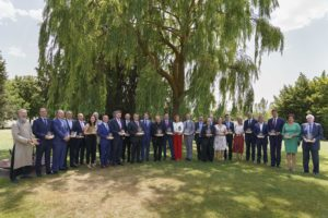 Entrega de esculturas conmemorativas a 27 personas e instituciones que han destacado por su compromiso con el VIII Centenario de la Catedral de Burgos. Burgos 2021.