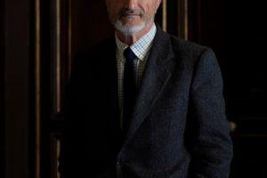 El escritor Arturo Pérez Reverte presenta mañana en el MEH su última novela 'Sidi', que recrea la figura de El Cid