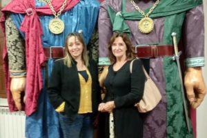 La Presidenta de la Confederación Europea de Fiestas y Manifestaciones Históricas visita Atapuerca