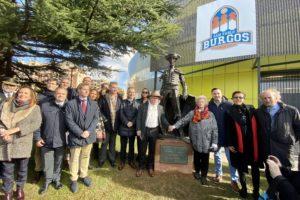 Tauroemoción inaugura en Burgos la escultura homenaje al torero Rafael Pedrosa
