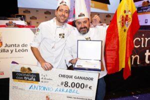 El equipo español, formado por Antonio Arrabal y Javier Andrade, se alza como 'Campeón Mundial de Cocina con Trufa' en el II Concurso Internacional organizado por la Junta en Soria