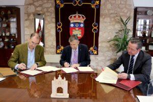 La Universidad de Burgos, FAE y Secot sellan un convenio para fomentar el emprendimiento