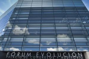 El Fórum Evolución Burgos abre sus puertas de nuevo, tras unos meses de adaptación, renovados y preparados para acoger de una manera segura encuentros profesionales de hasta 50 personas