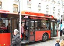 Utilice el Autobús Urbano únicamente por razones estrictamente necesarias e inaplazables