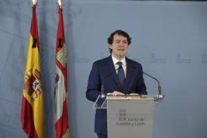 Mañueco exige al presidente del Gobierno fondos adicionales para que las comunidades autónomas puedan hacer frente a los gastos extraordinarios provocados por la pandemia