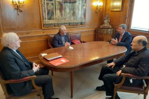 César Rico presidente de la Diputación de Burgos recibe a los responsables de la Fundación VIII Centenario de la Catedral