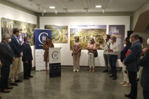 Una exposición fotográfica en el Consulado del Mar reivindica el Geoparque Las Loras como una joya de la naturaleza