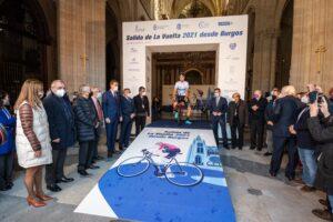 La Vuelta 2021 salió desde el interior de la Catedral de Burgos en el VIII Centenario del templo