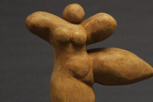 El Consulado del Mar acoge la exposición de escultura del artista Rodrigo Ortega Miguel