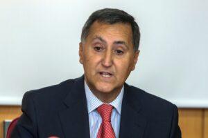 Santiago Bello, reelegido como decano de la Facultad de Derecho de la UBU