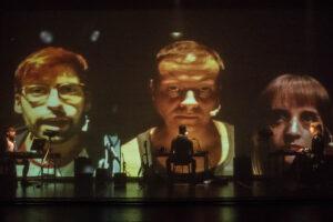 Rayuela Producciones pone mañana en escena Fake, propuesta con tintes de teatro político, documental y multimedia en la que los videojuegos se erigen en metáfora de la realidad