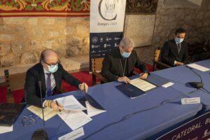 La Junta amplía su colaboración con el VIII Centenario de la Catedral de Burgos con nuevas iniciativas culturales en 2021