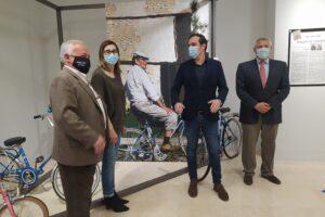 La Casa de Cultura de Aranda de Duero acoge la exposición Miguel Delibes