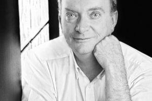El Museo de la Evolución Humana acoge hoy la presentación del libro 'La Bruma Verde' con la presencia de su autor Gonzalo Giner