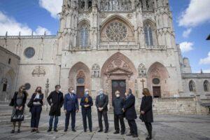 La embajadora de Israel, Rodica Radian-Gordon visita la Catedral de Burgos que está ligada con la historia de los judíos en España