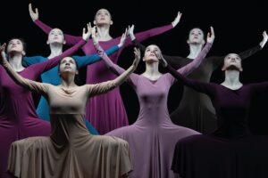 La Escuela Profesional de Danza y la Escolanía de Pueri Cantores  actuarán en la Escalera Dorada el jueves 13 de mayo