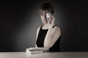 La escritora Mar Sancho presenta mañana en el Museo de la Evolución Humana su libro 'La insensata vida de los santos