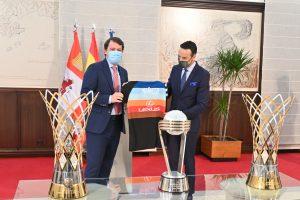 Mañueco brinda el apoyo de la Junta para que el Hereda San Pablo Burgos organice la próxima Copa Intercontinental