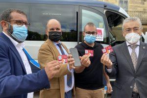 El director general de Transportes, Ignacio Santos, ha presentado esta mañana en la localidad de Sedano el Bono Rural de Transporte Gratuito