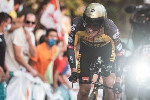 El corredor esloveno Primoz Roglic gana la primera etapa de la Vuelta a España