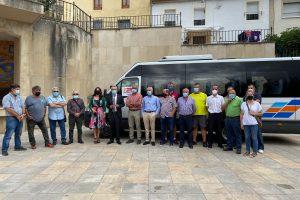La Junta inaugura el bono rural de transporte gratuito a la demanda en el Valle de Tobalina