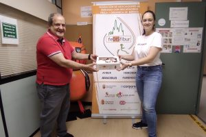 Fedisfibur firma un convenio de colaboración con el obrador de pastelería BYPAT20 para captación de fondos en beneficio de las personas con discapacidad burgalesas