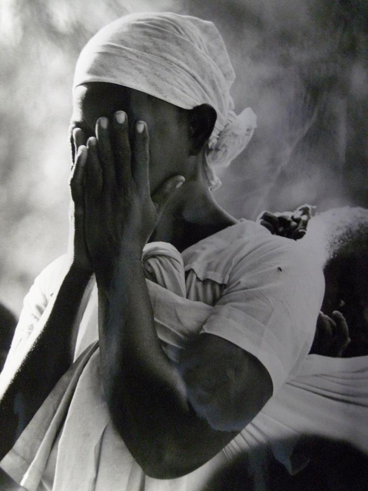 Mozambican refugee at Sunday mass, Lundo installation area, Tanzania, 1968 © UNHCR  J. Mohr